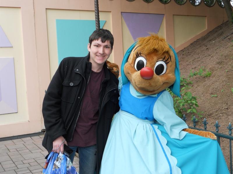 Vos photos avec les Personnages Disney - Page 2 Dscn0610