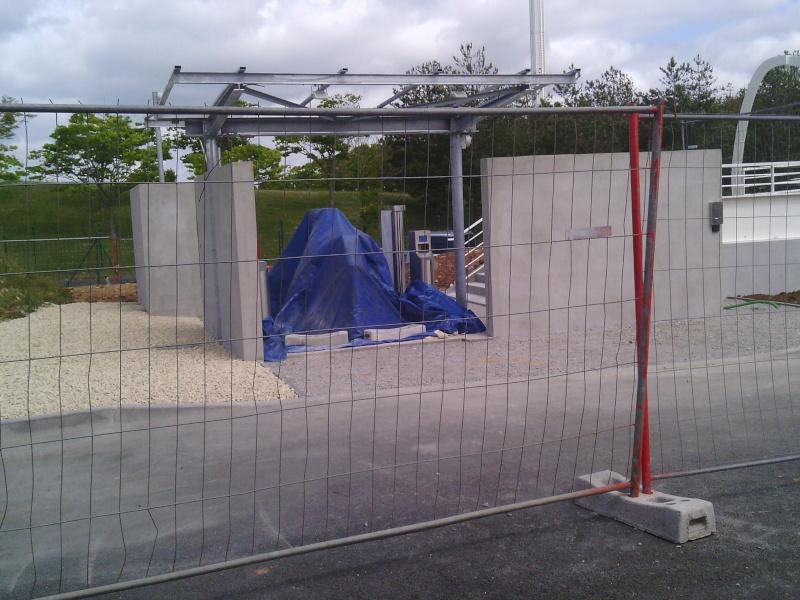 Nouvelle passerelle d'accès Parc - Hôtel du Futuroscope - Page 3 Img_2012