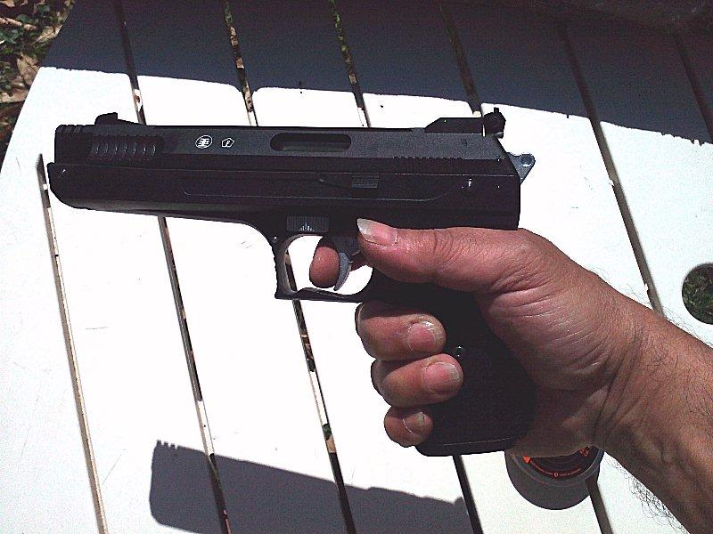 Réception premier pistolet : Beeman P17 01410