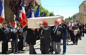 Les obsèques du général Guichard auront lieu vendredi 5 juillet à 14h00 à l'église de Sauveterre de Guyenne. Guicha11