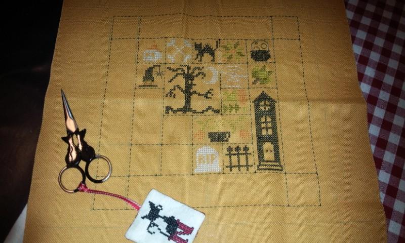 SAL Patchwork Halloween de Jardin Privé - FINI - Page 6 Moi_pa11