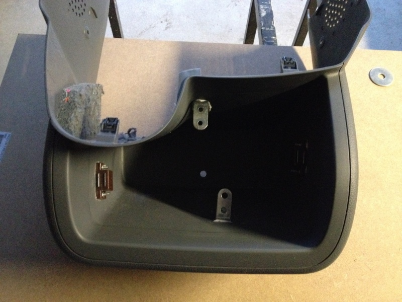 Montage d'un Contrôleur de tension Victron BMV600S pour Batterie Auxiliaire. Trou_p10
