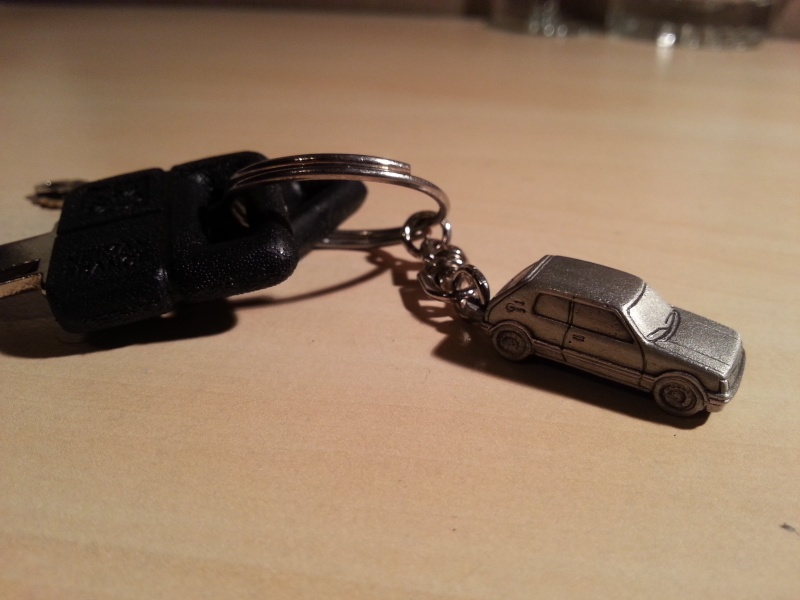 Porte clé 205 GTI en étain  20131011