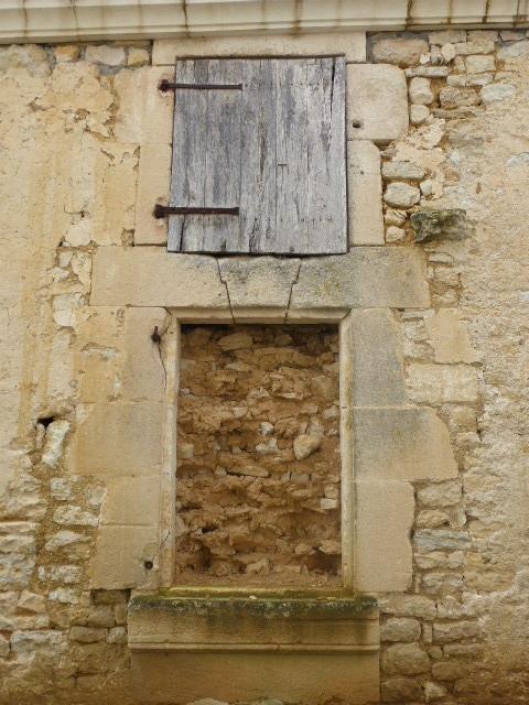 portes et fenêtres ,a vos photos - Page 3 P1010422