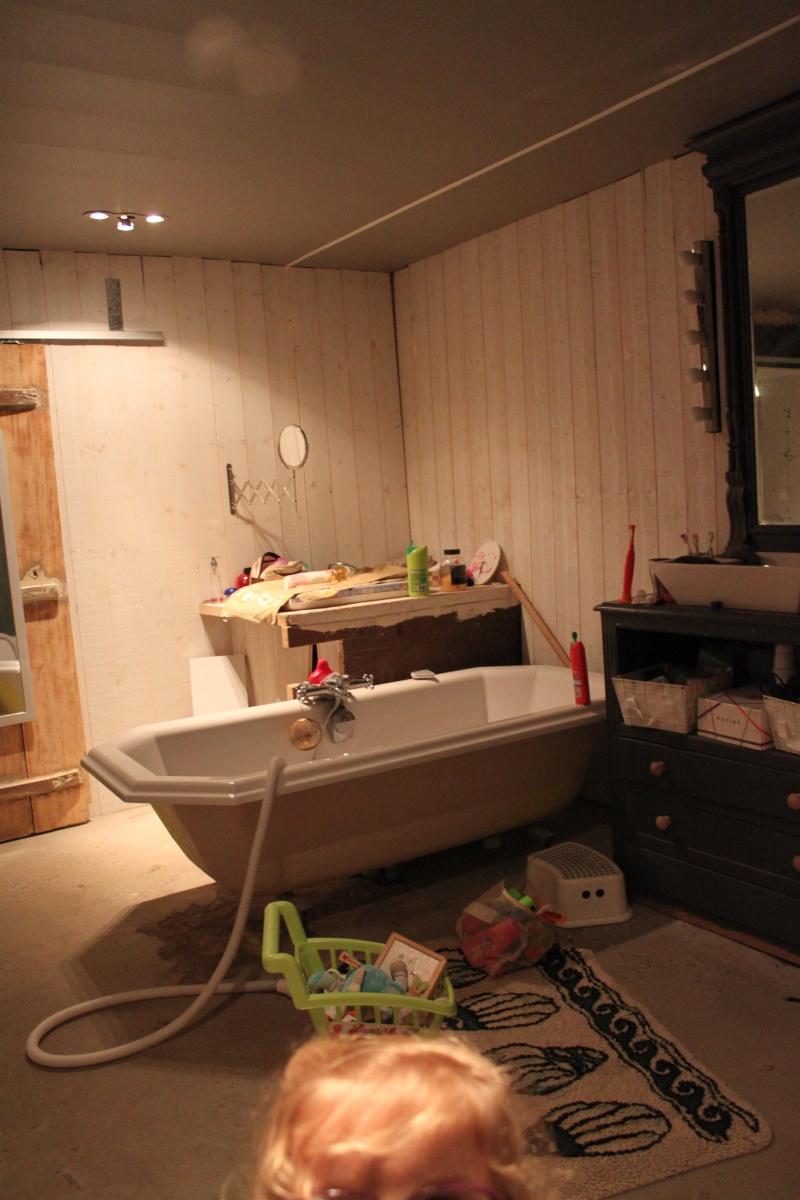 Deux salles d'eau en une, un projet fou pour petit budget ??? ENFIN LES PHOTOS !!!! Img_6111