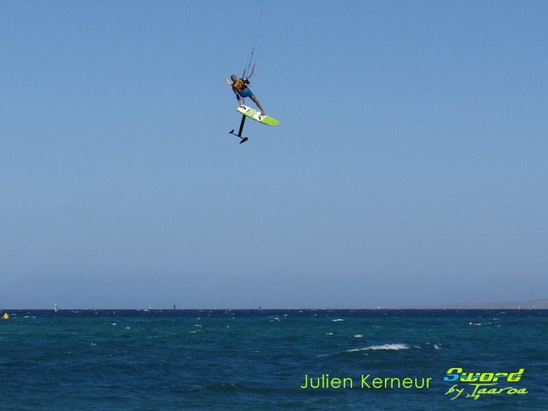 Freestyle Air jibe one foot! Julien10