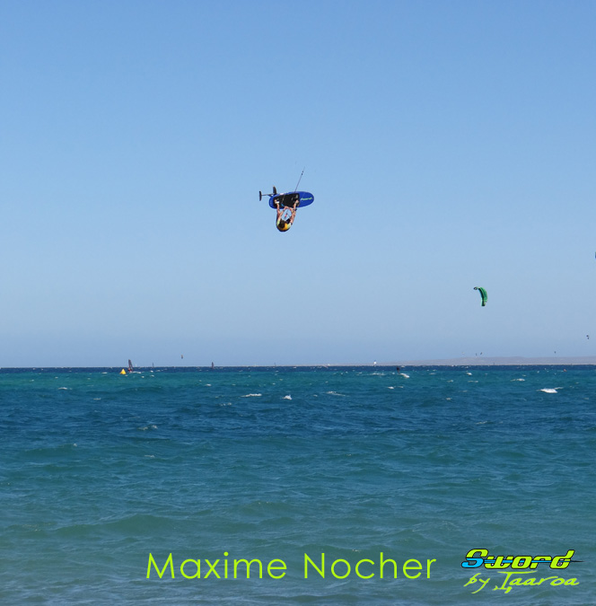 Freestyle Air jibe one foot! Saut-m10