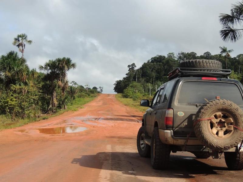 FS now: Toyota 4Runner 1998 (Canadian reg) in Venezuela or Colombia 110