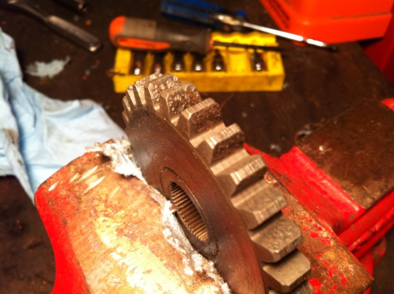 How to: remove surface rusted transaxle/gearbox gears 15266810