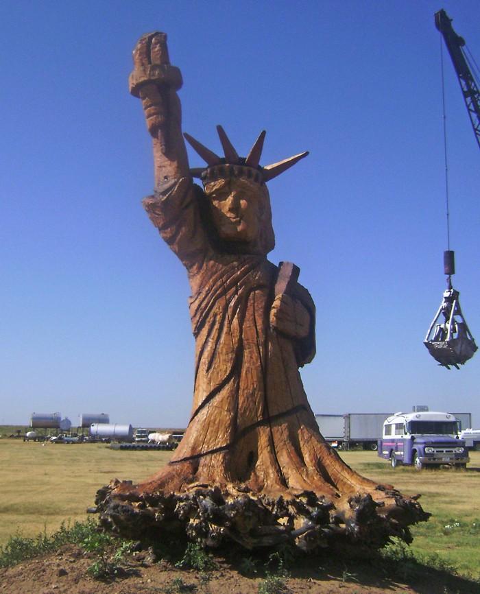 Statue de la Liberté = les répliques découvertes grâce à Google Earth - Page 5 11324010