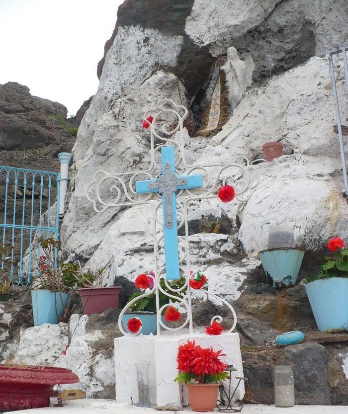 Les répliques de la grotte de Lourdes - Page 2 39151510