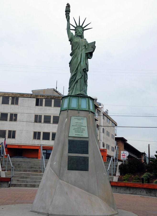 Statue de la Liberté = les répliques découvertes grâce à Google Earth - Page 5 60125610