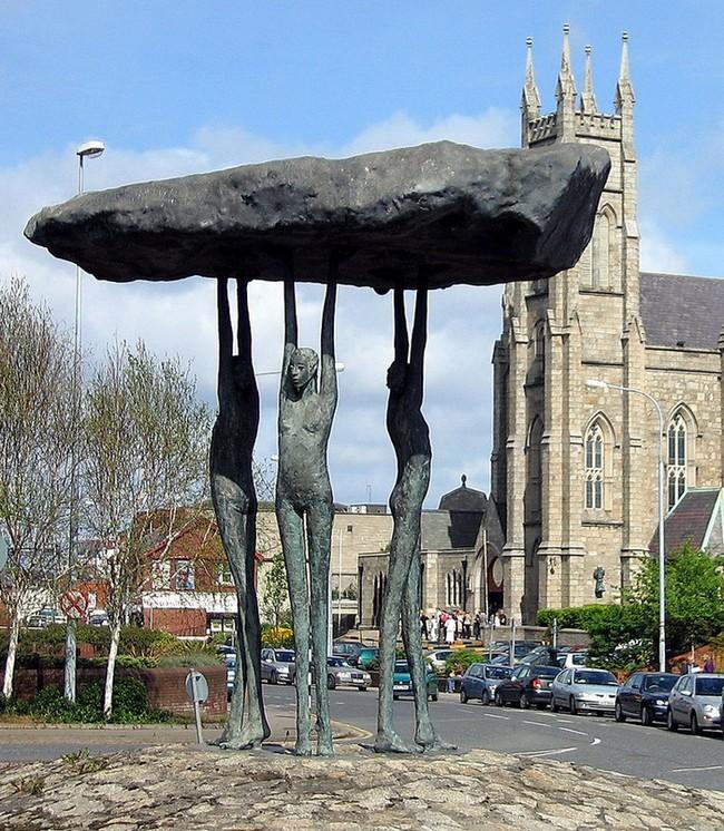 STREET VIEW : les sculptures - Page 2 893px-10