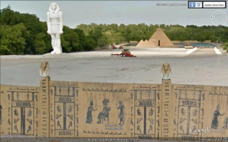 Pyramide à Wadsworth, Illinois - USA Hh13