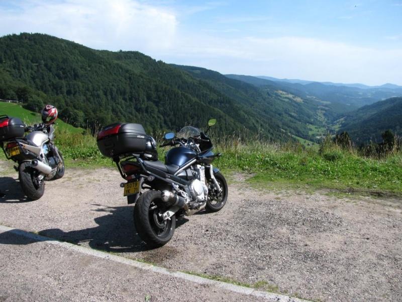 Vos plus belles photos de moto - Page 37 Img_0710