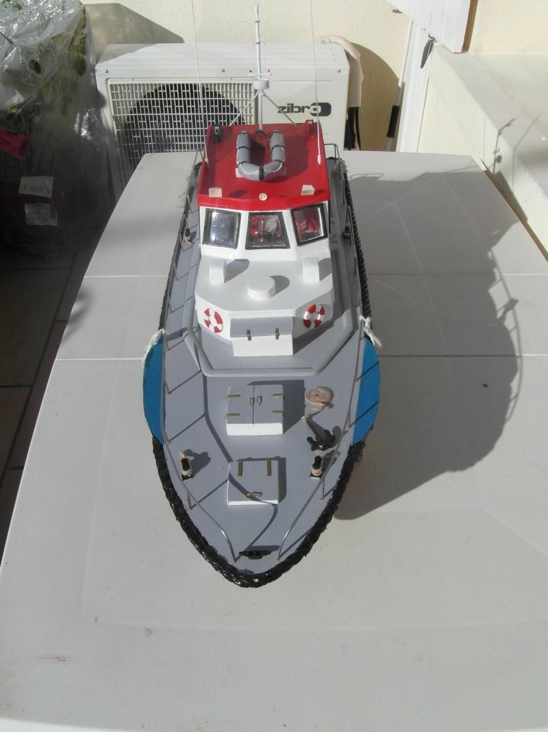 bateau pilote  échelle 1/20 - Page 2 00913