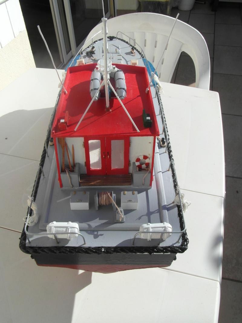 bateau pilote  échelle 1/20 - Page 2 01110