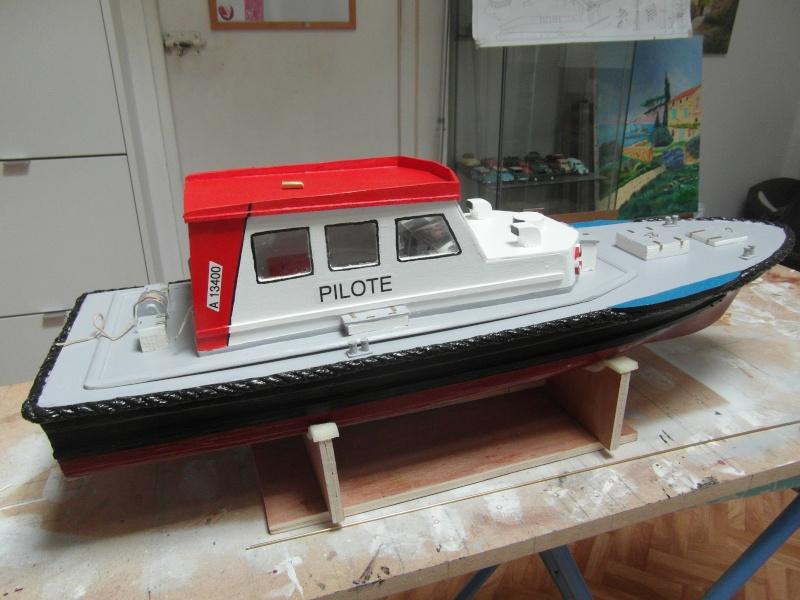 bateau pilote  échelle 1/20 - Page 2 6811