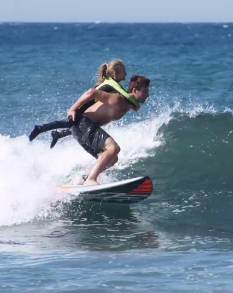 Surfer avec un passager Captur22