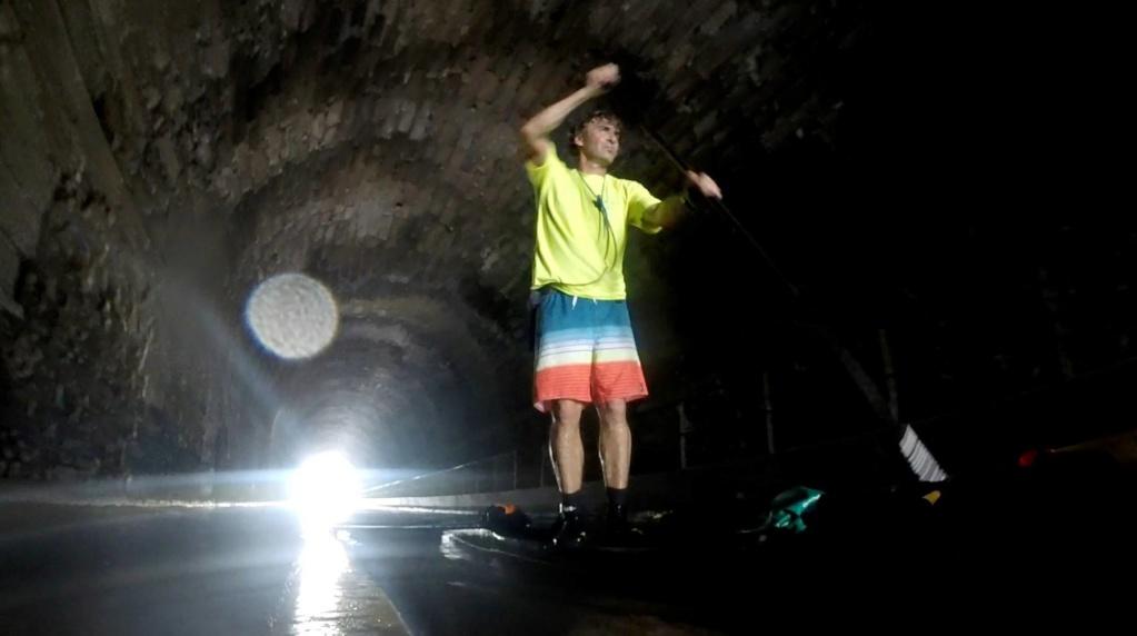 Ma petite balade de 100 km dans la journée sur le canal du Midi en SUP trimaran. Tunnel10