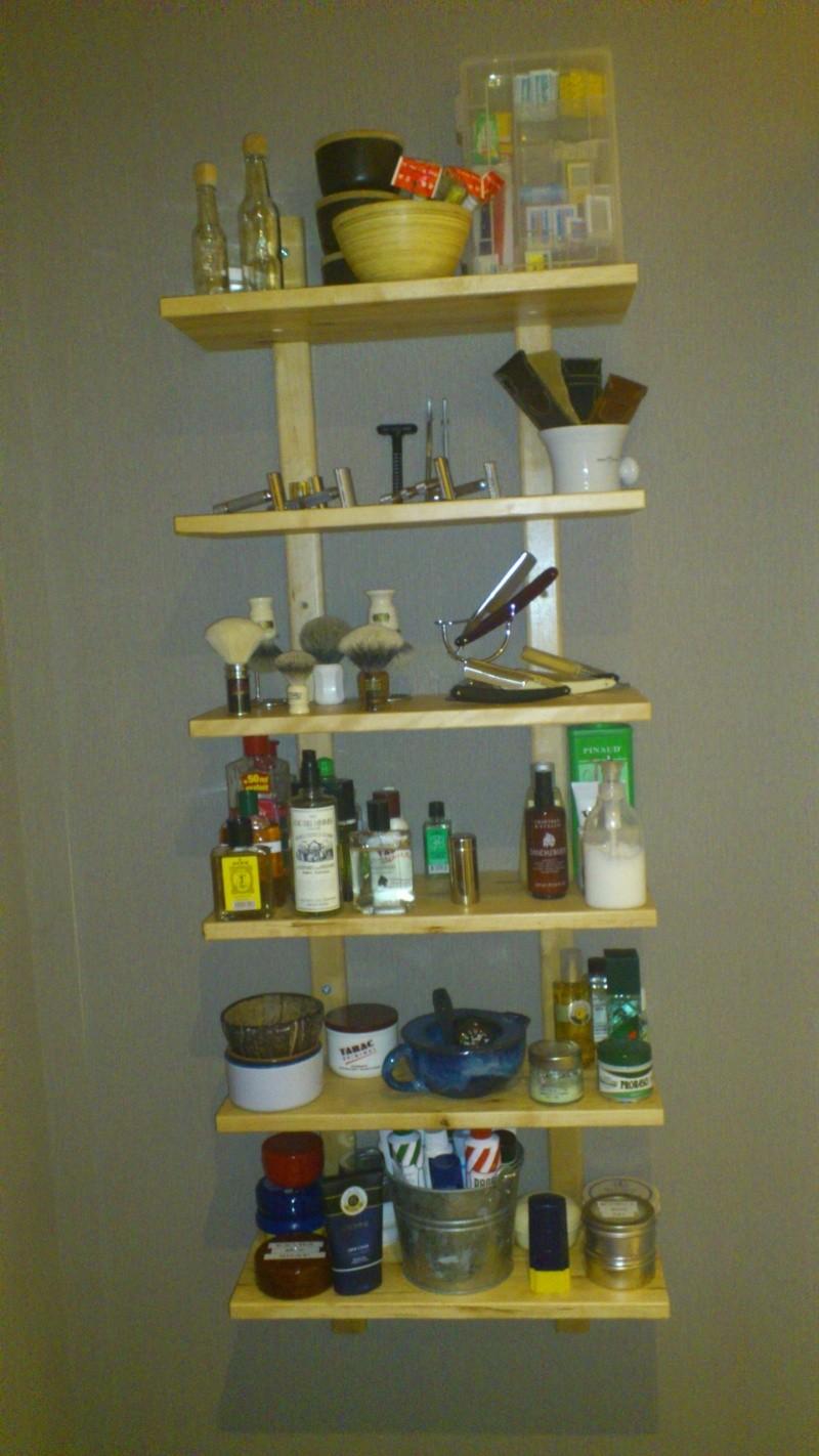 Photos de votre armoire spéciale rasage (ou de la partie réservée au rasage) - Page 4 Dsc_0152