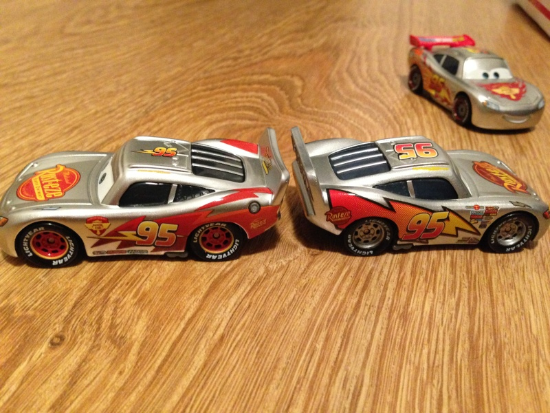 [CARS 1] Exclusivité Allemande Metallic : Lightning McQueen with Stickers Img_3811