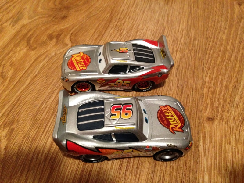 [CARS 1] Exclusivité Allemande Metallic : Lightning McQueen with Stickers Img_3812