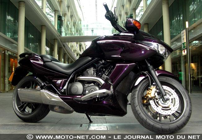 Honda DN-01 la moto de Batman! - Page 5 Dn_1_110