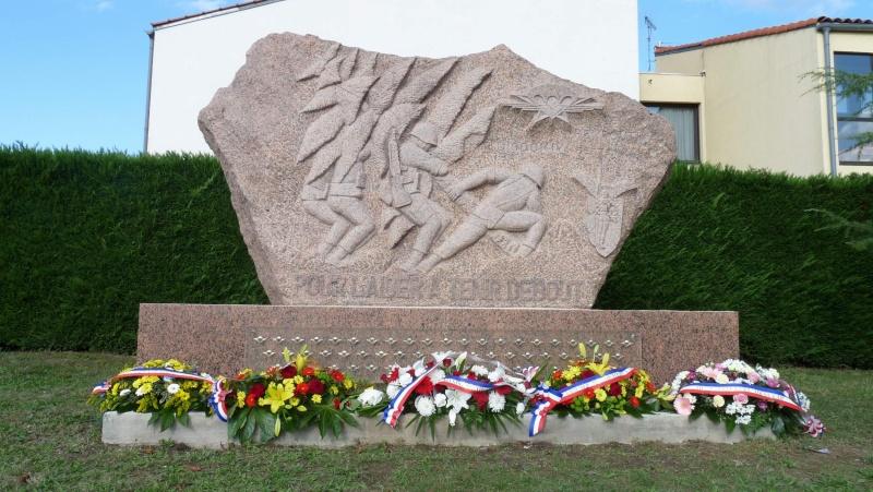 L'amicale des Anciens du 9ème R.C.P. à la commémoration du Drakkar P1050108