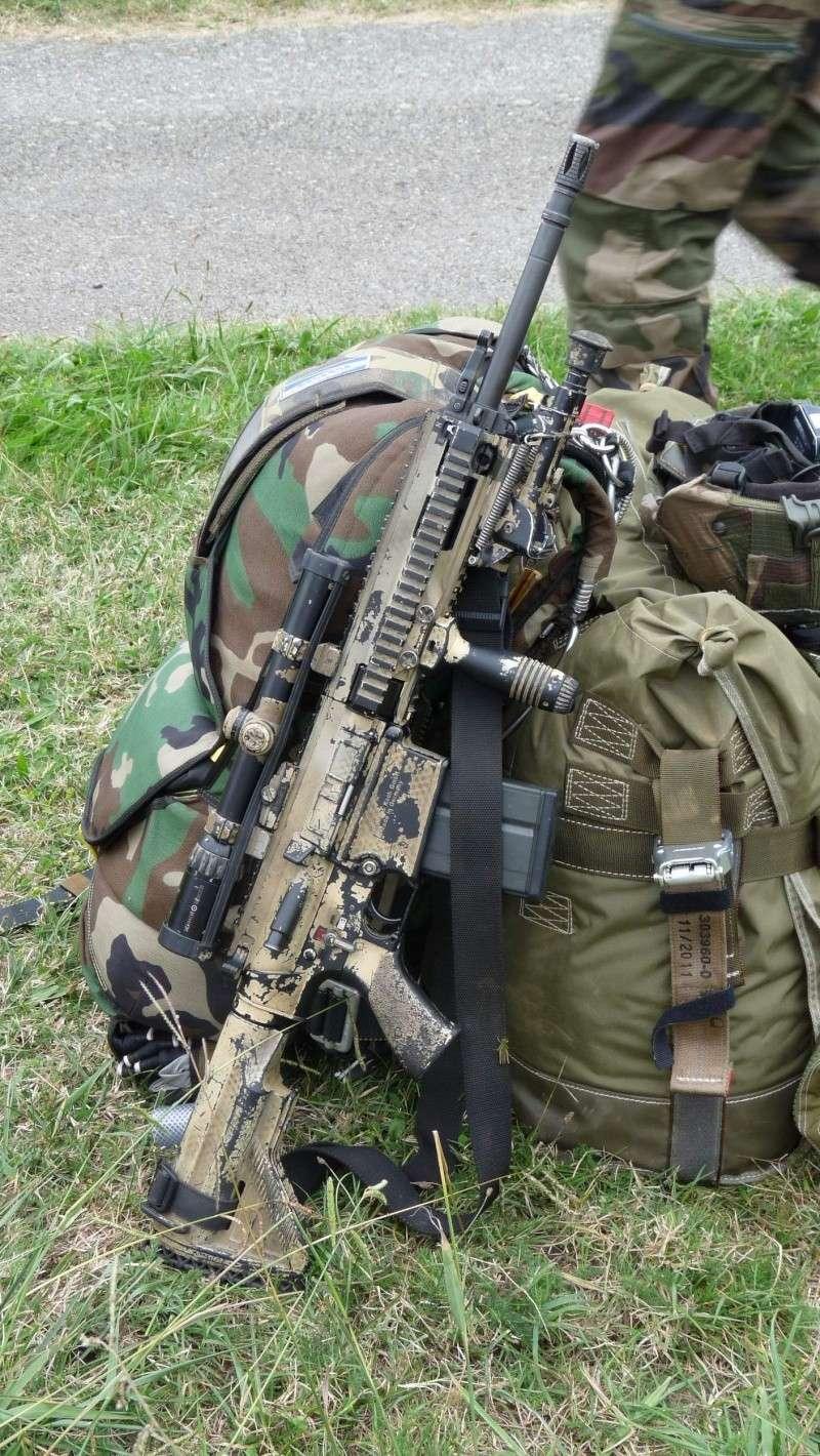 quelques fusils d'assaut (G.C.P.) 1er R.C.P. P1050463