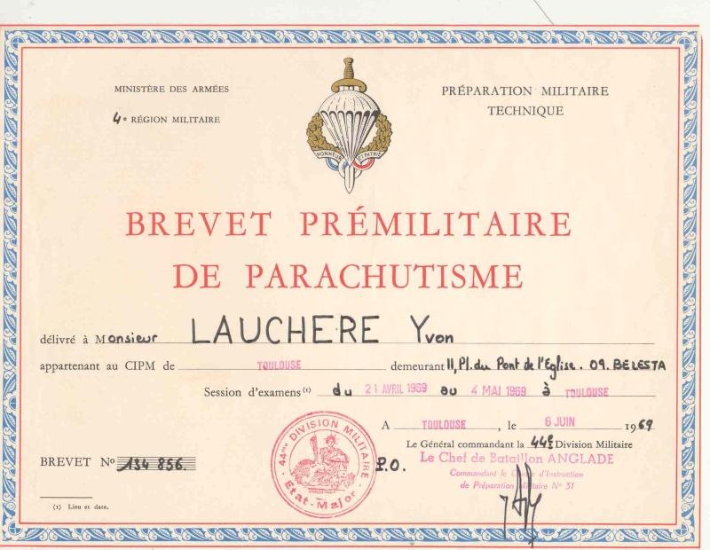 Le brevet prémilitaire parachutiste que 441.000 jeunes françaises et françaises ont mérité. Pmp10