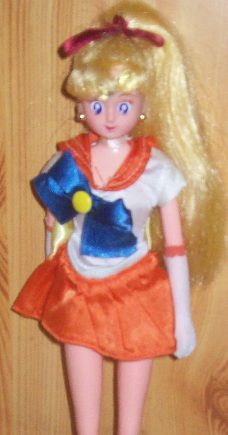 Les poupées Sailor Moon 100_5714