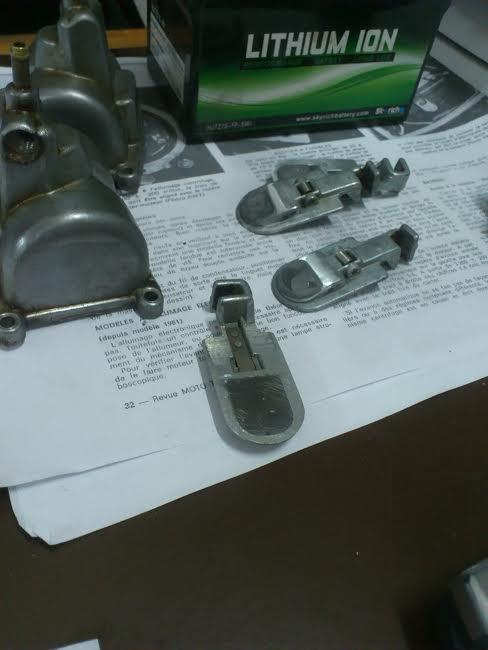 Kawa Z500 pourrie vers racer sympa et low cost>>> photos fin - Page 4 Carbu11