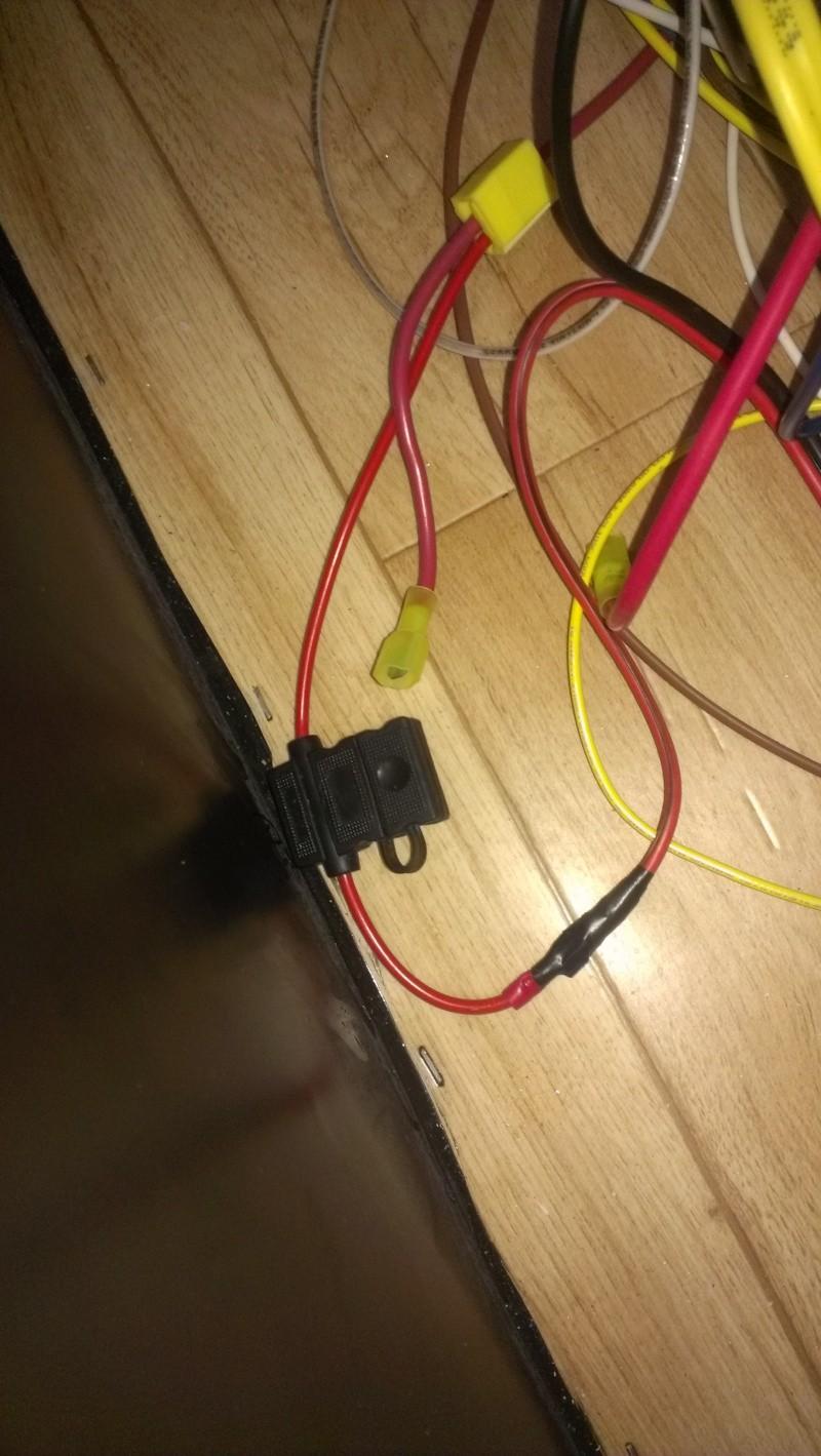 Branchement d'un onduleur au convertisseur électrique WFCO WF-8735P  Imag0643