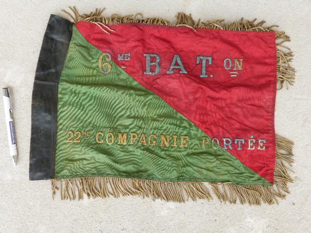 belle chine: fanion legion, marine française, allemand , gendarme,photos air  P1040454