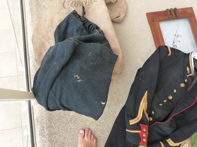 belle chine: fanion legion, marine française, allemand , gendarme,photos air  P1040462