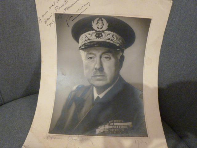 Commissaire general ancien resistant, gendarme et marine P1050645