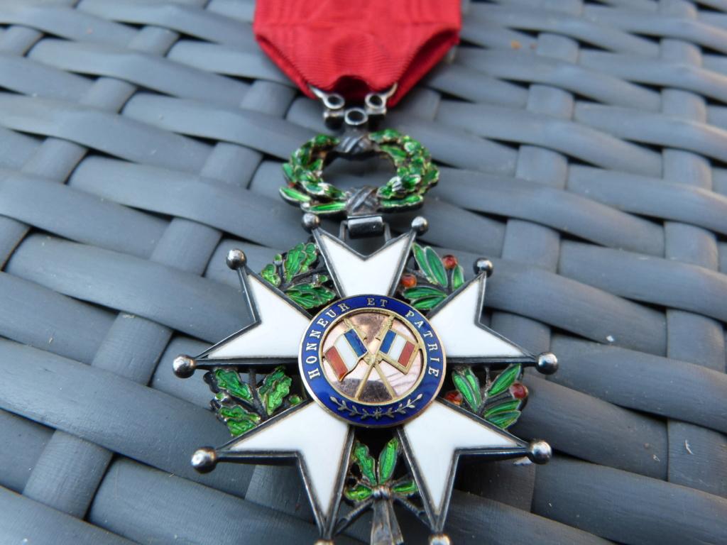 Avion art deco, médailles dont LH luxe et allemand WW2 P1060720