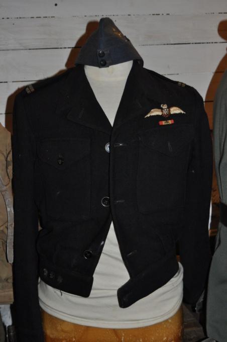 Bon pour une tenue FAFL reconstit ? (1944-45) Dsc_0012