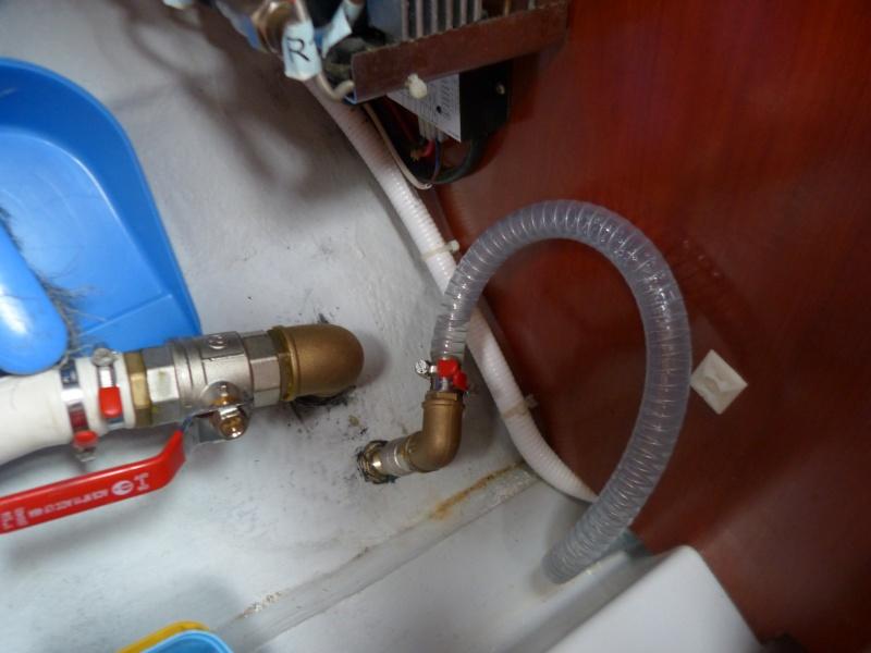 Pompe à pied eau de mer OC 393 P1070321