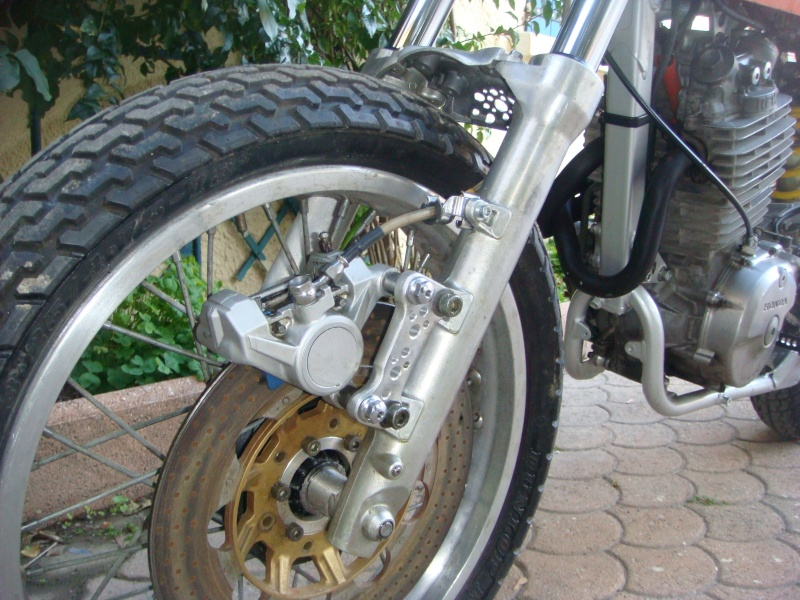 600 XR flat-track . suite et fin - Page 4 Frein_10