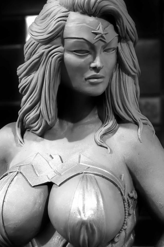 Les travaux de Seb06 Wonder Woman et Catwoman plus size - Page 5 Visage10