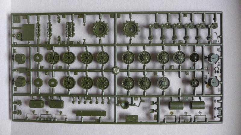 ISU-152 von Zvezda P1010525