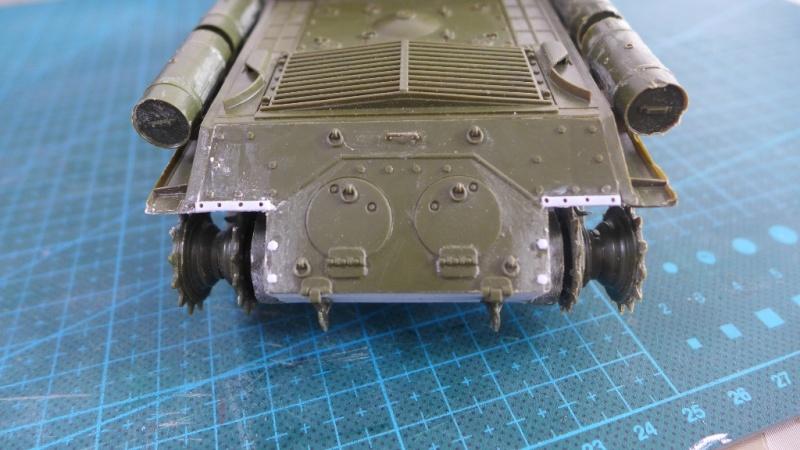 ISU-152 von Zvezda P1010540