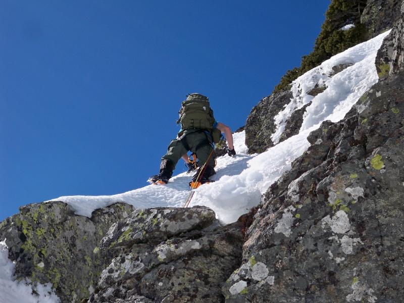 Alpinismo: sábado 15 de marzo 2014 - Sudeste clásica al pico Peñalara 019_pa10