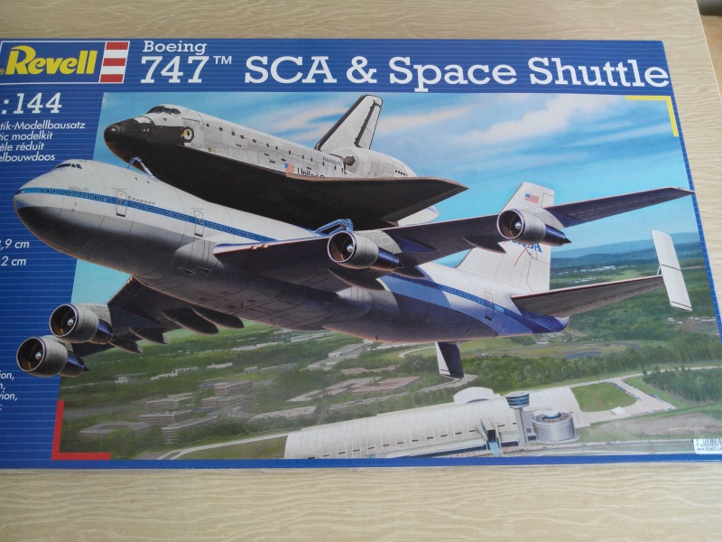 boeing 747 with space shuttle.kit revell 1/144 Img_2034