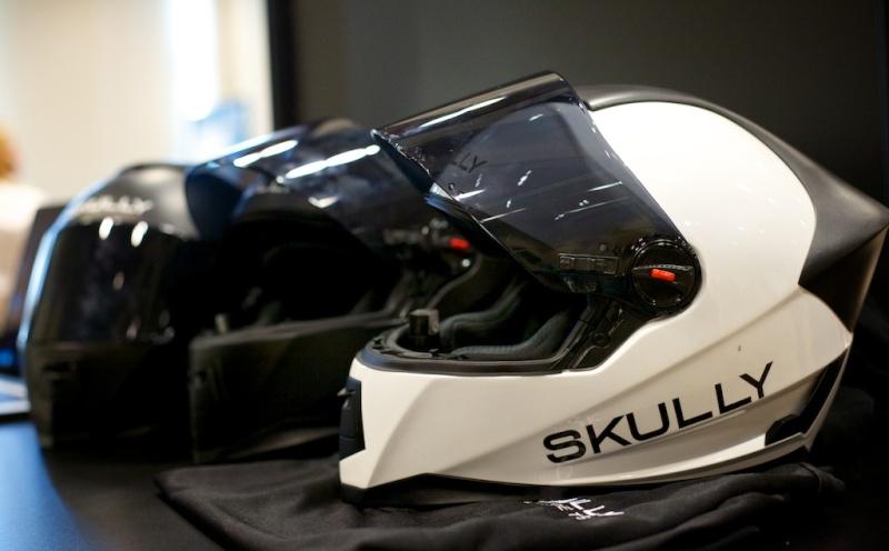nouveau casque bientôt sur le marché le SKULLY P1 avec rétrovision - Page 2 Skully10