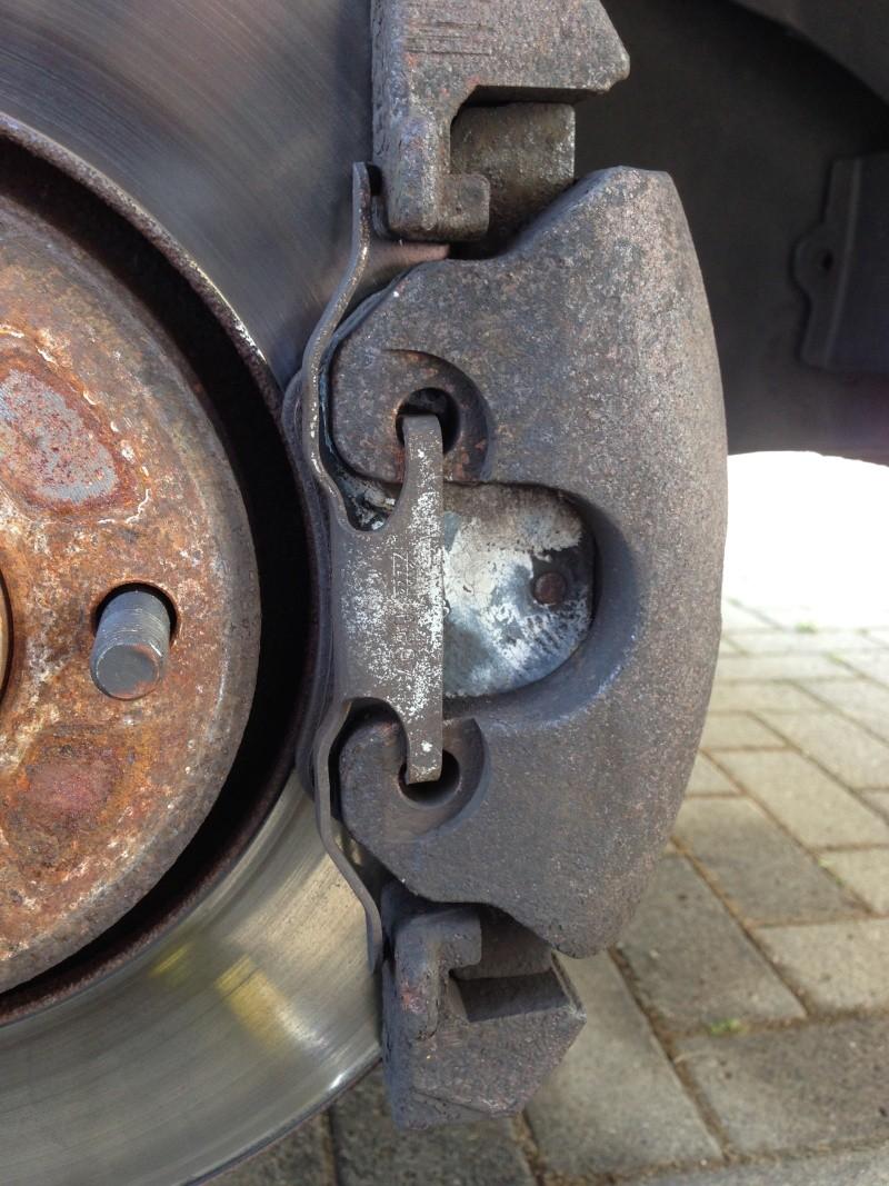 référence plaquettes freins avant erronée ??? 3.8 AWD Voyage10
