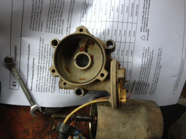Voila ce que j'ai appris en changeant mon moteur 2.5TD. - Page 4 Photo10