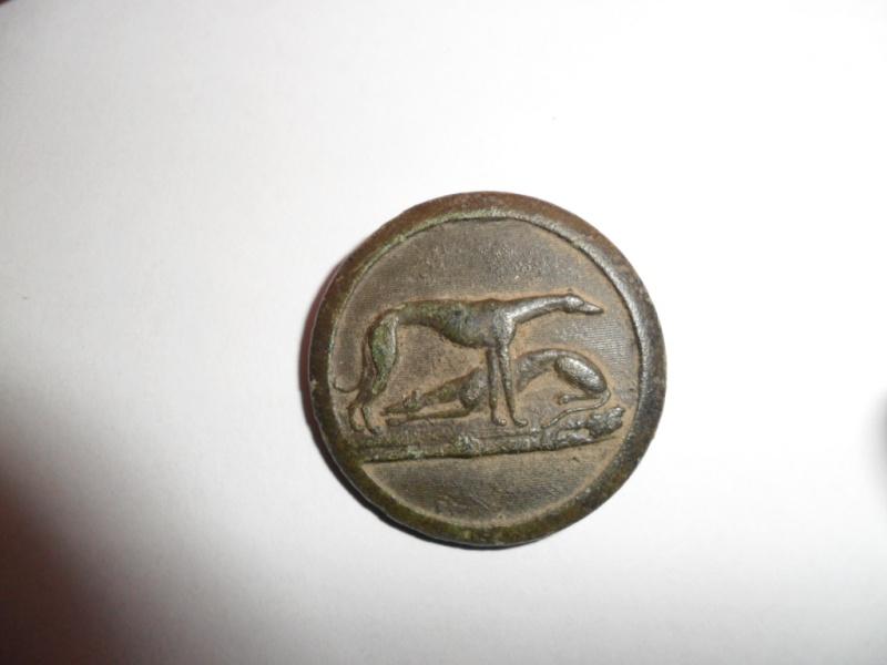 Joli bouton de chasse au lièvre XIXème / lévrier = symbole de noblesse Sam_1733